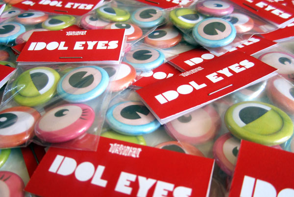 Mascot Eyes badge pack