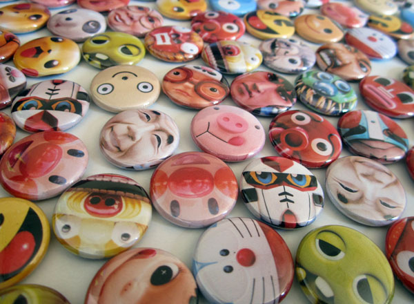 Badge faces